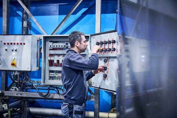 Leidinggevende monteur industriële automatisering